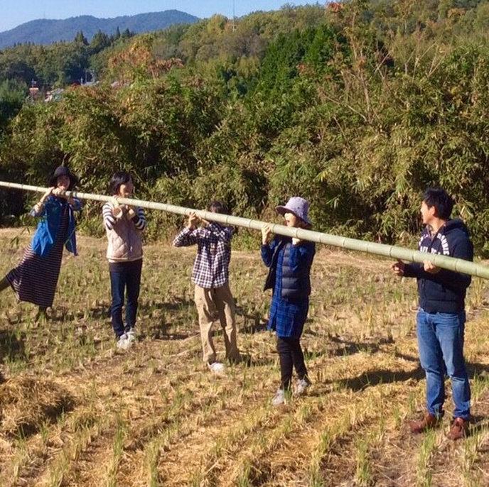 収穫祭で竹遊び