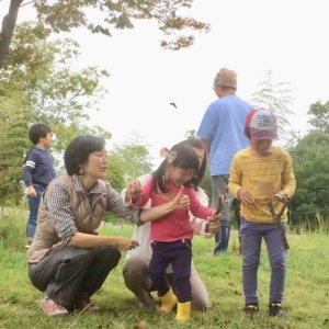 大人も子供も一緒に竹遊び