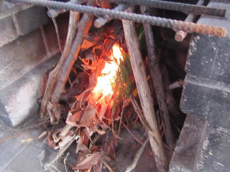 メラメラと燃える炎